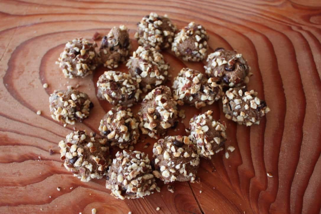 Lækker rugbrødskonfekt med tranebær og chokolade