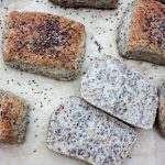 Nemme og lækre boller med chiagrød og honning