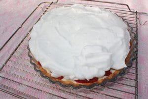 Grillet jordbærtærte – dæk bærrene med italiensk marengs